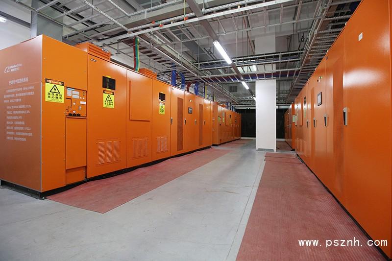 图二 数据中心巴拿马电源颠覆了传统IDC供电架构,让供电传输一步到位,更加高效和可靠