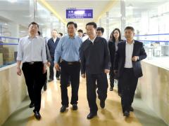 省政协主席张昌尔- -行莅临安徽天康集团调研工作