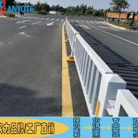 高州公路甲型护栏 车行道分隔栏图片 交通京式护栏