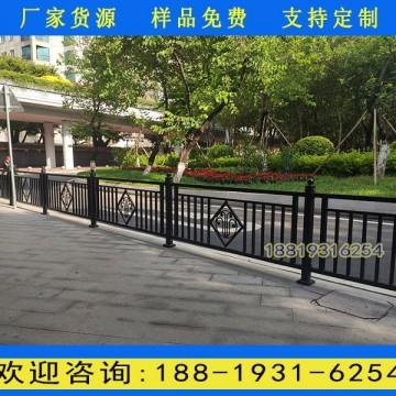广州市政道路两侧护栏厂家 人行道黑