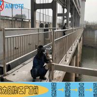 汕头拱桥铁艺栏杆制作 揭阳桥梁灯光护栏 201复合管栏杆